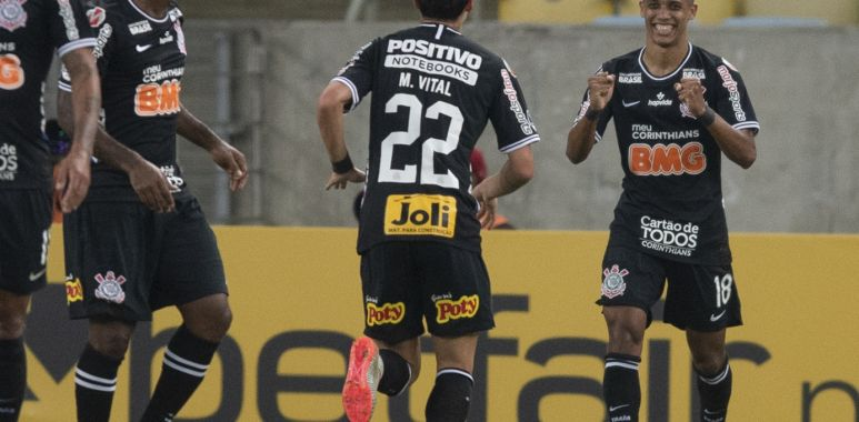 Pedrinho - Mateus Vital - Fluminense 1 x 1 Corinthians
