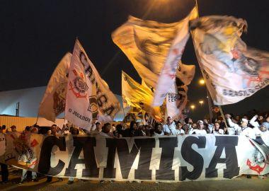 Torcida do Corinthians - Embarque para Quito
