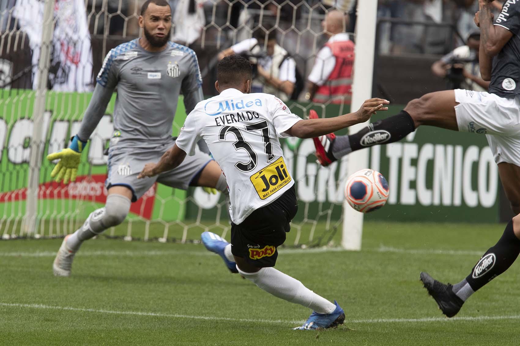 Everaldo - Gol - Corinthians 2 x 0 Santos