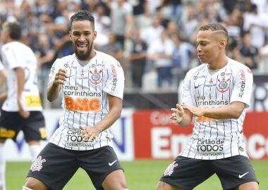 Everaldo - Janderson - Corinthians x Santos