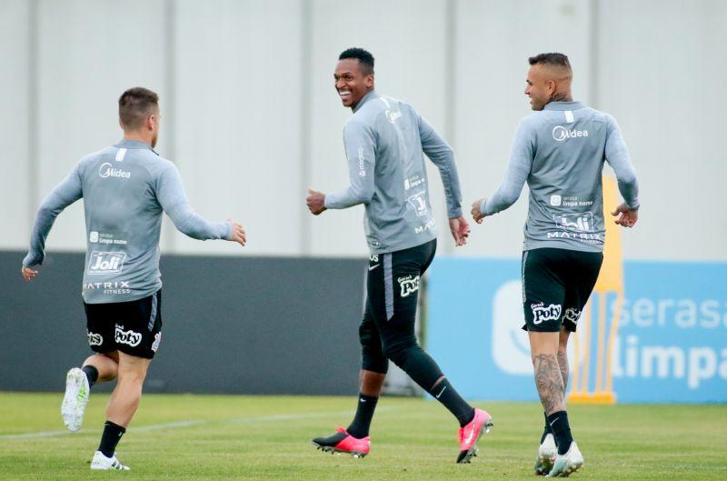 Jô - Treino do Corinthians