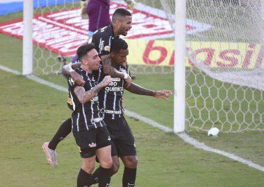 Jô - Gol - Fluminense x Corinthians